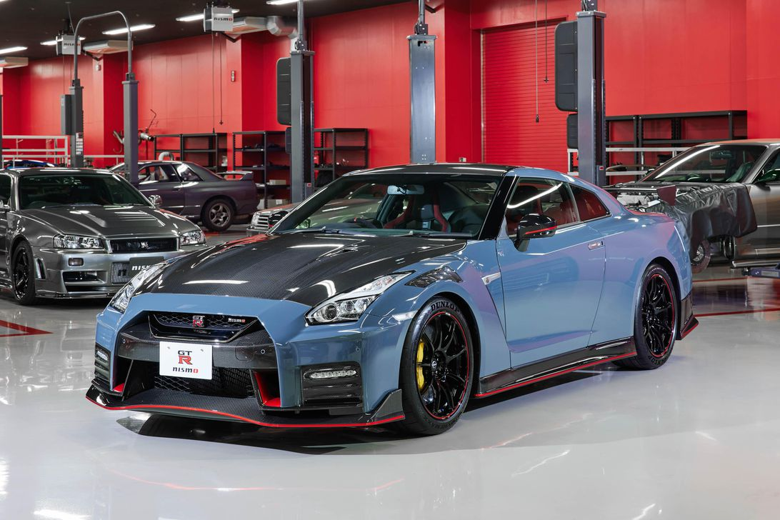 Carbon-clad Nissan GT-R Nismo Special Edition coming this fall