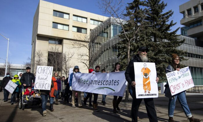 Hundreds Gather to Support Alberta Church Shut Down for Ignoring Covid-19 Orders