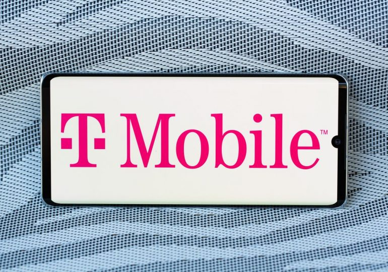 T-Mobile continues to add subscribers as first quarter earnings beat estimates